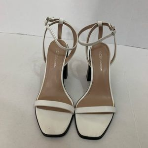 BCBGeneration- White block heels